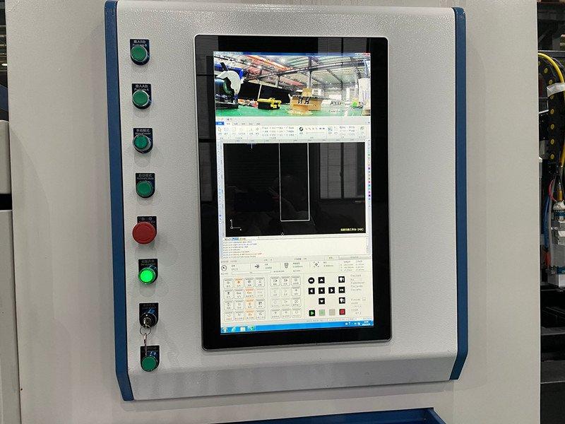 cnc fiber laser cutting machine camera watching